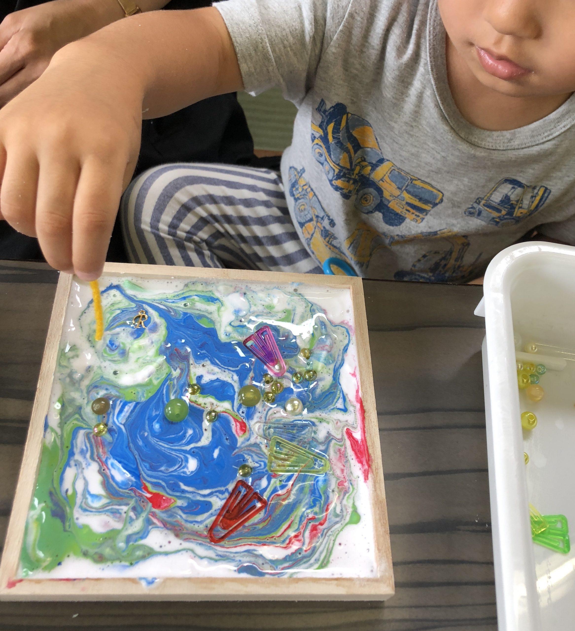 富士市の美術教室、富士市のこども美術教室、絵画・工作・デザイン・彫刻、未就園児教室、おやこ教室